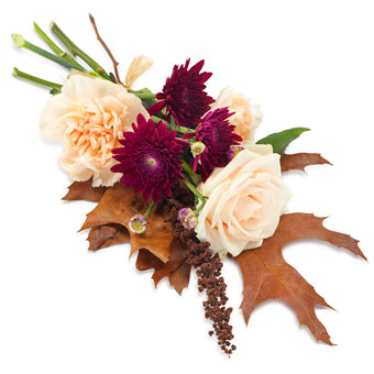 Hand bouquet cream and autumn colours
