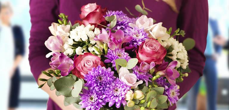 Skicka blommor bara för att